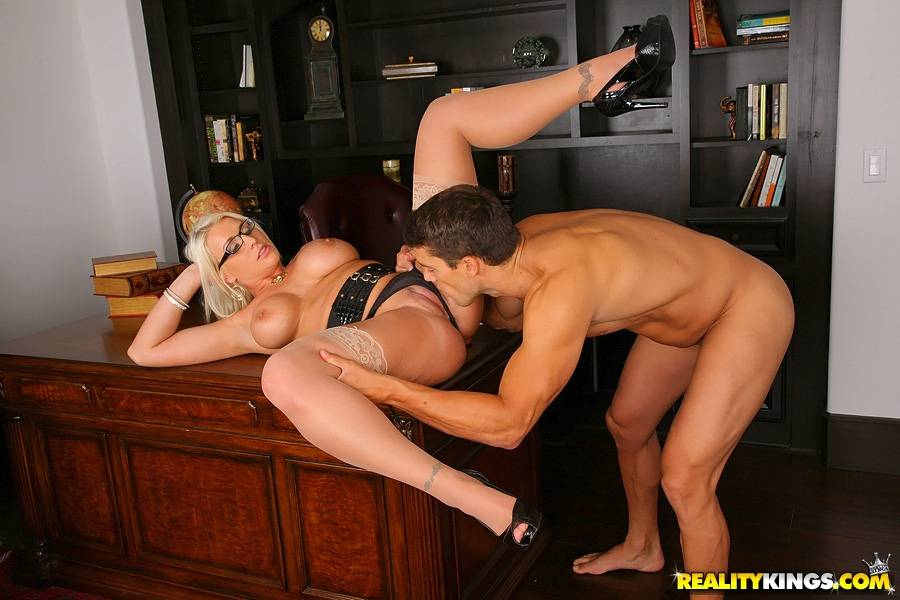 American mature boss pic sex