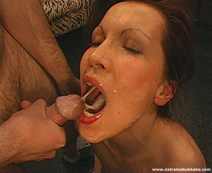 Dildo pussy squirt